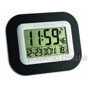 Электронные настенные часы TFA 604503 с термометром