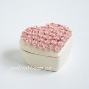 Шкатулка Сердце Пена белая с розовым декором