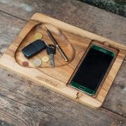 Деревянная подставка для телефона Плей