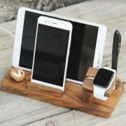 Деревянная подставка для смартфона iPhone Family