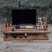Деревянный органайзер для смартфона Макияж